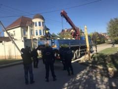 В Краснодаре демонтировали 15 преград на городских дорогах
