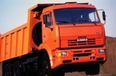 В Свердловской области снегоуборочный КАМАЗ задавил 12-летнюю девочку, шедшую в темноте по трассе