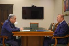 Мурат Кумпилов провел встречу с ректором Адыгейского госуниверситета