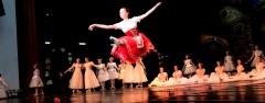 «Танцуй, школа!» - необычный проект стартовал в сочинских школах