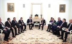 В Кремле прошли российско-сербские переговоры