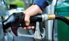 Бензин начал дешеветь, дизтопливо - дорожать