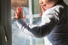 6-летний ребёнок, выпавший из окна в Мончегорске, скончался спустя месяц