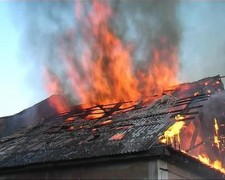 В Тверской области безработный пенсионер погиб при пожаре в частном доме