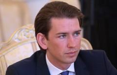 Канцлер Австрии выступил за поэтапную отмену антироссийских санкций