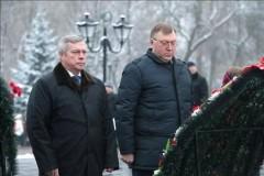 Василий Голубев почтил память воинов Великой Отечественной войны, павших при освобождении Ростова-на-Дону