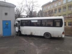 В Ростове маршрутный автобус попал в ДТП, есть пострадавшие