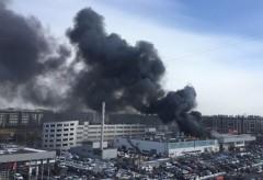 В Санкт-Петербурге загорелся автосалон Нyundai