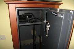 Во Владикавказе раскрыта кража оружия из сейфа