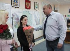 Глава Невинномысска встретился с чемпионкой по акробатике Дианой Братковой