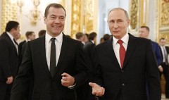 Путин предложил Госдуме кандидатуру Медведева на пост премьера