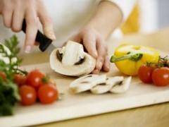 Исследователи выяснили, кто готовит обеды россиянам