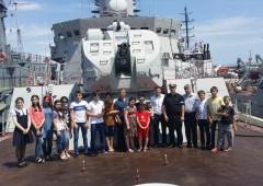 Астраханские школьники посетили боевые корабли Каспийской флотилии