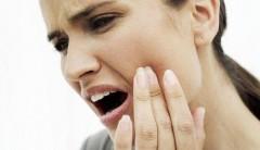 Зубная боль, отравление и ДТП вошли в ТОП-10 проблем со здоровьем в отпуске и нарушений прав пациентов