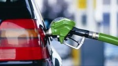 В ходе прямой линии Путин назвал причину роста цен на бензин