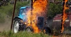 Госавтоинспекторы Ставрополья помогли мужчине потушить загоревшийся трактор