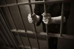 В Крымске мужчина ждет суда за покушение на убийство бывшей супруги и малолетней дочери