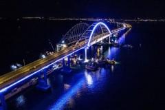 В воскресенье трафик Крымского моста превысил 33 тыс. машин