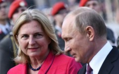 В Австрии из-за визита Путина на свадьбу требуют отставки главы МИД