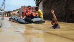 Крупнейшее за 100 лет наводнение в Индии унесло жизни свыше 330 человек