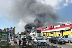 В Краснодаре пожар на складе на улице Уральской тушили почти семь часов
